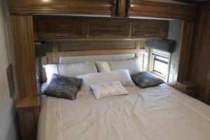2019-DRV-Luxury-Suites-Fullhouse-JX450-Bedroom