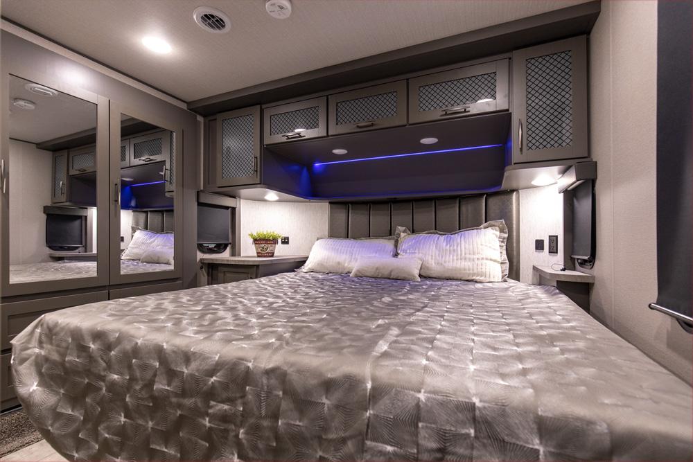 Mo-395MS-Bedroom-Jan2021-web
